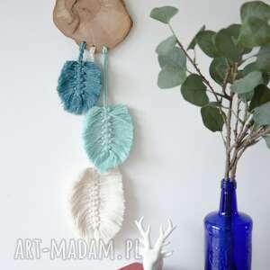 dekoracje turkusowe fale makrama na drewnie, drewno, liście, styl boho, listki