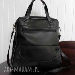 na ramię torebka listonoszka - czarna, elegancka, nowoczesna, prezent, pakowna