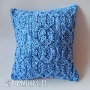 poduszki jasnoniebieskie warkocze, poduszka, handmade, dziergana, miękka