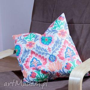 ręcznie zrobione poduszki kolorowa kwadratowa poduszka w folklorystyczne wzory