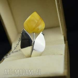 ręcznie wykonane naszyjniki naszyjnik z tulipanem bursztynu srebro