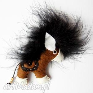 broszki konik - broszka z filcu, filc, broszka, koń, biżuteria, modna, dziecko