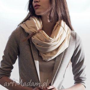 hand made ubrania duży szal z bawełny organicznej waniliowy beż