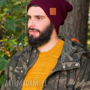 ręcznie robione czapki czapa dwustronna logo z ekoskórki zadziorne bordo