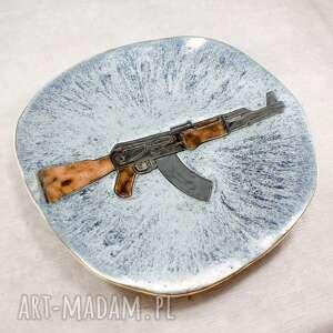 Patera z kałasznikowem ceramika pracownia ako patera, talerz