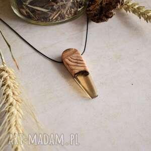 yunara wisior ze złotawą żywicą i drewnem z drzewa iglastego, wisior