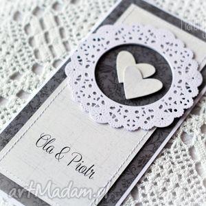 kartka ślubna personalizowana z ozdobną rozetą - kartka, ślubna