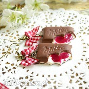 czekoladki z wiśniowym nadzieniem, czekolada, fimo, wiśnie, modelina, słodycze