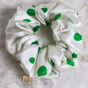 gumka do włosów jedwabna-akcesoria stylizacji włosów-biała zielone kropki