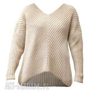 oversizeowy sweter o asymetrycznym kroju, swe124 beż, ciepły, asymetryczny