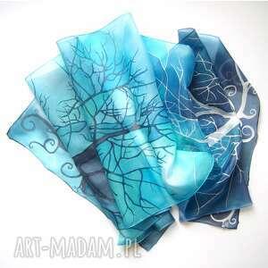handmade chustki i apaszki drzewa w błękicie szal jedwabny ręcznie