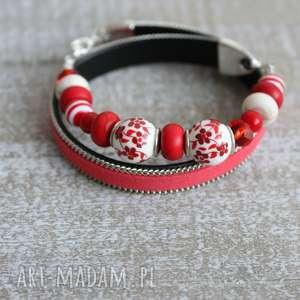 bransoletki czerwona bransoletka kwiaty, bransoletka-kwiatki, bransoleta, zawijana