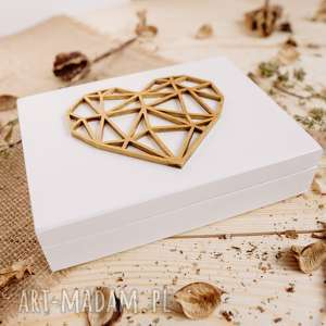Białe pudełko na obrączki, mech, ślub,