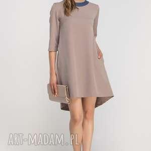 Sukienka z dłuższym tyłem, SUK148 beż, casual, elegancka, rozkloszowana, kieszenie