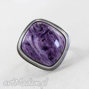 Czaroit w srebrze - pierścionek młotkowany, czaroit, srebro, pierścionek, fakturowany