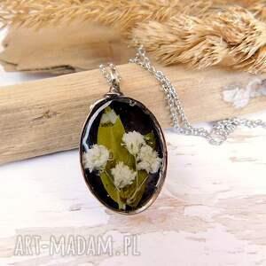 unikalny, gipsówka w czerni, gipsówka, kwiaty żywicy, żywica, wisiorek