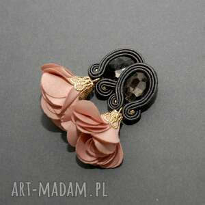 kolczyki sutasz z kwiatkiem, sznurek, eleganckie, wiszące, brzoskwiniowe, małe, kwiat