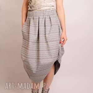 żakardowa spódnica oversize, żakard, żakardowa, romby, wesele, elegancka, print