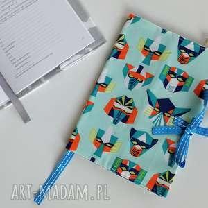 personalizowane etui na książeczkę zdrowia - maski z niebieskim, etui, pokrowiec