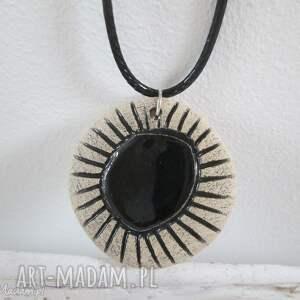 naszyjnik z czarnym oczkiem, ceramiczny, wisiorek, naszyjnik, etniczny, etno