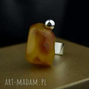 pierścionek z dużym bursztynem srebro, bursztynem, duży