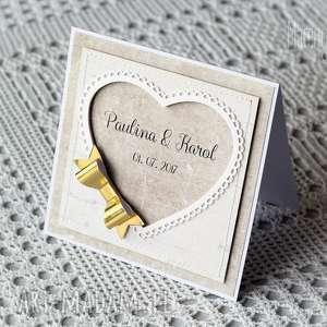hand made scrapbooking kartki personalizowana kartka ze złotą kokardą