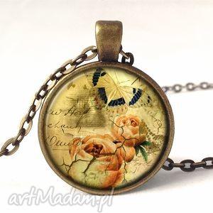 vintage collage - medalion z łańcuszkiem - róże, upominek
