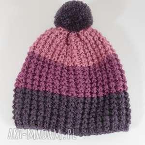 czapki trójkolorowa czapka z pomponem, czapka, pompon, akryl, paski