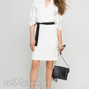 Sukienka, SUK141 ecru, lamówka, biała, kieszenie, pasek, elegancka, praca