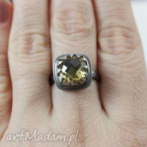 fasetowany cytryn w srebrze - pierścionek, cytryn, fasetowany, srebro, pierścionek