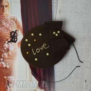 pod choinkę prezent, love, toczek, filc, brąz, fascynator