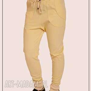 spodnie z bawelny, bawełna, sciagacz, kratka, jasne