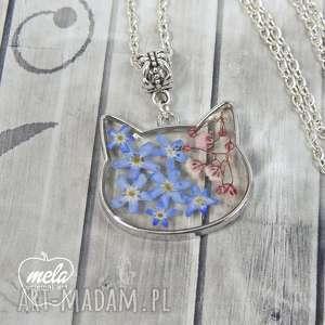 handmade wisiorki 0633~mela~ wisiorek kot żywica i niezapominajki