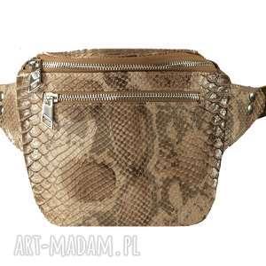Prezent skórzana nerka o nietuzinkowym kształcie, nerka, saszetka, torebka, handmade