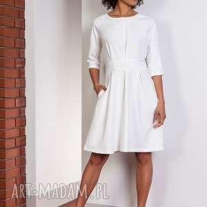 sukienka z rozkloszowanym dołem, suk122 ecru, rozkloszowana, elegancka, casual