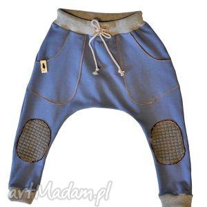spodnie niebieskie baggy, spodnie, niebieskie, bawełna, sznurek, łaty ubranka