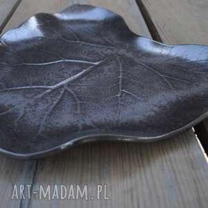 patera dekoracyjna - liść ceramiczny, ceramika, patera, talerz, liść, ozdoba