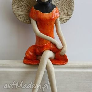 ceramika anioł siedzący w golfie, anioł, aniołek, anielica