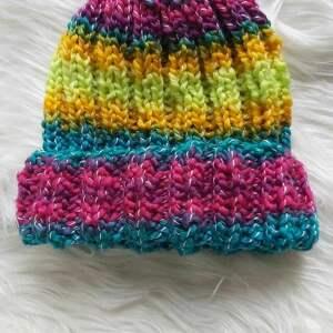 czapki neonówka, na drutach, boho, ciepłazima, klasyka, prezent