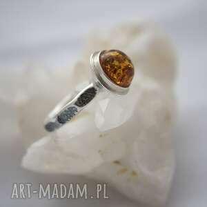 pierścionek srebrny z bursztynem, rozmiar 11 eu, na prezent dla niej, wysoki