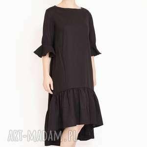 wełniana sukienka z falbankami, falbanka, marszczona, ozdobna, wełniana, elegancka