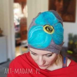 czapka wełniana damska szara z kwiatem, czapka, wełna, kwiaty, etno, zima, boho