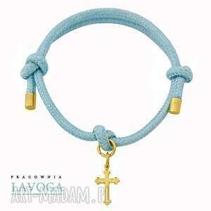 ręczne wykonanie bransoletki pastel blue twine with cross