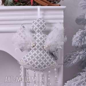 aniołek świąteczny biało-szary, aniołek-święta, ozdoby-świąteczne, dekoracja-święta