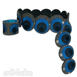 pas i bransoleta z elementów haftowanych w odcieniach niebieskiego - komplet, pas