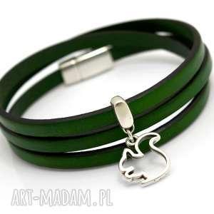 handmade bransoletka skórzana magnetoos triple zielona z wiewiórką