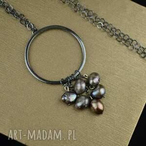 naszyjniki długi oksydowany naszyjnik z perłami srebro