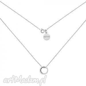 srebrny naszyjnik z przestrzenną karmą - minimalistyczny delikatny