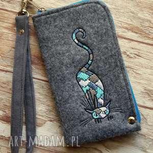 filcowe etui na telefon - łaciaty kot, smartfon, pokrowiec, kotek, smyczka, prezent