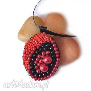 pod choinkę prezent, wisiorek koralikowy, wisiorek, haft, biżuteria